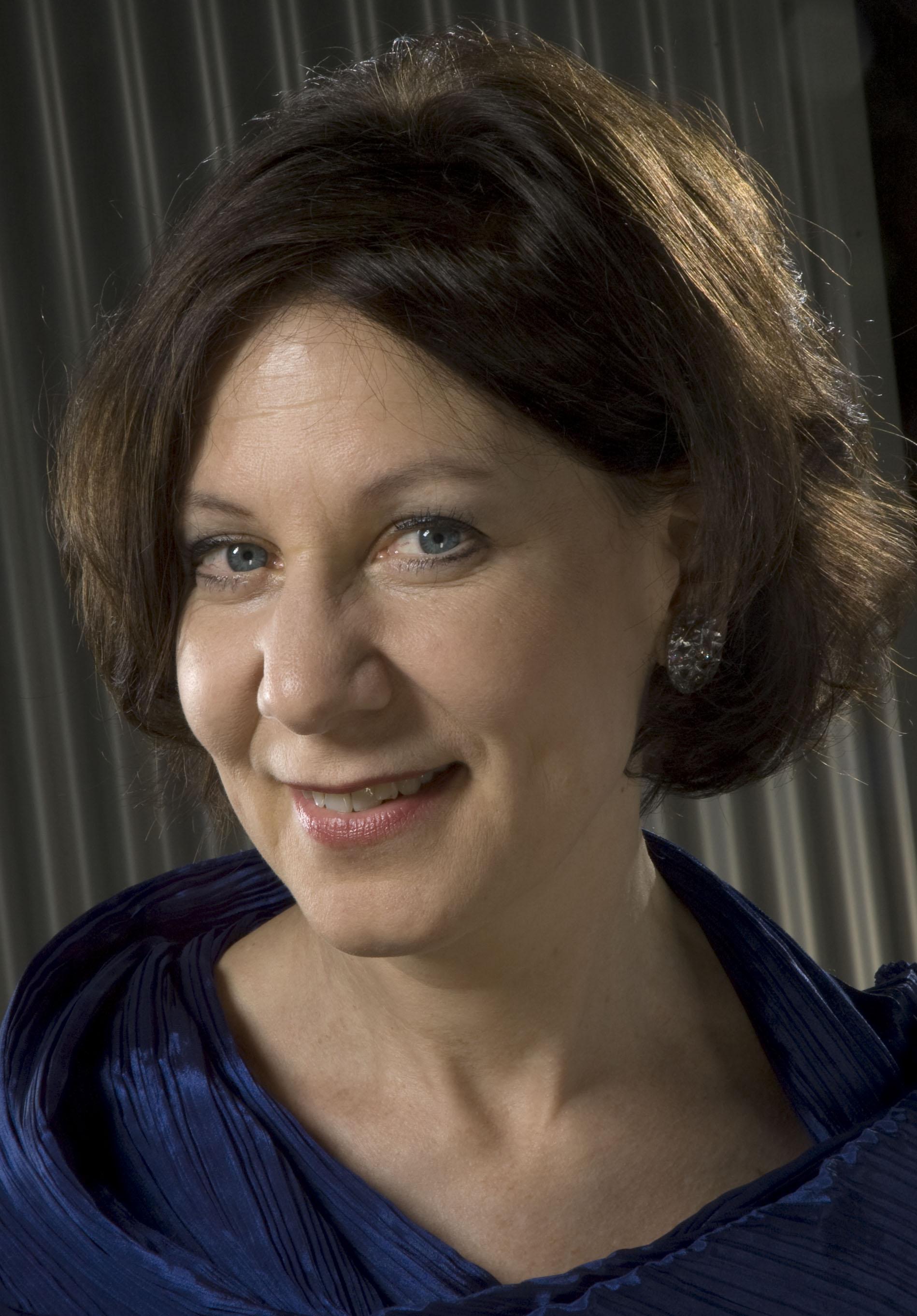 Camilla Hoitenga